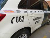 Sufre un accidente en Villatobas (Toledo) por coger el móvil en el que resultan heridos graves sus dos hijos menores