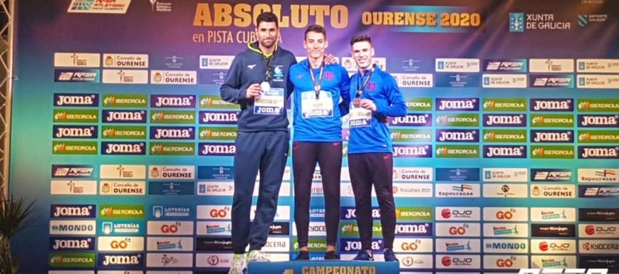 Lucas Búa, campeón (a su izquierda, Manuel Guijarro)